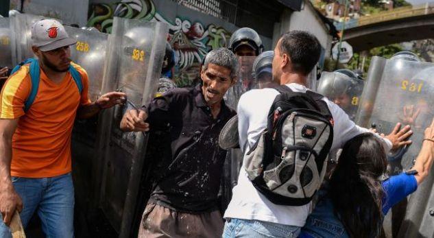 Trazirat për bukë shkaktojnë tre të vrarë dhe 16 të plagosur në Venezuelë