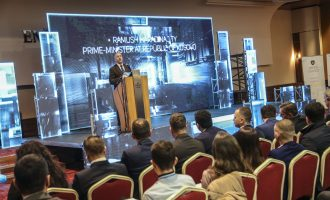 Haradinaj kërkon mbrojtje për fëmijët nga kërcënimet kibernetike