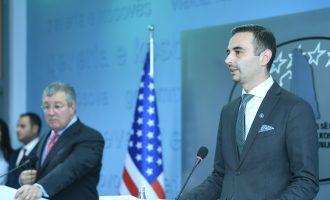 """Ministria vonon deri në gjashtë muaj përkthimin e kontratës """"Kosova e Re"""""""