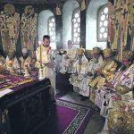 Peshkopët serbë kërkojnë nga Kisha Serbe qëndrim unik për Kosovën