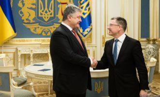 Poroshenko e Volker bisedojnë për konfliktin në lindje të Ukrainës
