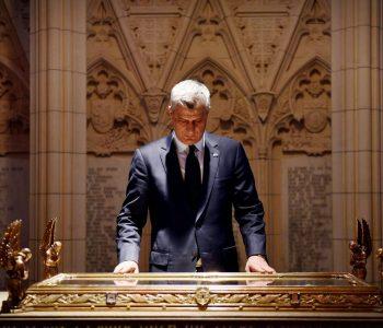 Kontrata për lobim e Thaçit – negociatat sekrete dhe nënshkrimi i dyshimtë