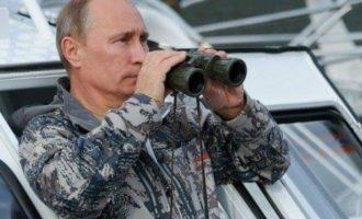 Putini me supermakinë të re