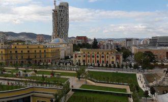 Tirana, nji tregim i papërfunduem dimni