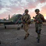 """Forcat ushtarake britanike në """"rrezik"""" nga ato ruse"""