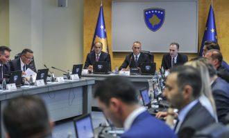 Zv/kryeministri e pranon: Kosova është ende larg BE-së
