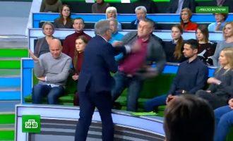 Grushte në një televizion në Rusi
