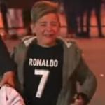 Fansi i vërtetë – përpjekja e djaloshit për ta marrë nënshkrimin nga lojtari i zemrës
