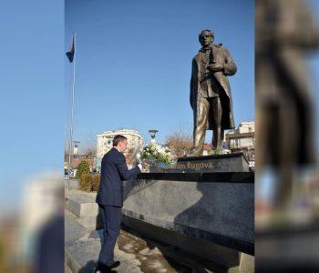 Kadri Veseli lavdëron ish-presidentin Ibrahim Rugovën