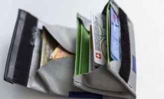Paratë 'cash' drejt zhdukjes në Suedi