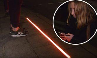 Instalohen semafor në trotuare për të preokupuarit me telefona mobil