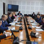 Ministri Bytyqi raportoi para Komisionit për raportin e auditimit