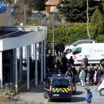 Vdes polici që shkëmbeu veten në sulmin terrorist në Francë