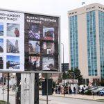 Si u bënë billbordat e reklamave në Prishtinë hapësirë për të kritikuar sistemin ?
