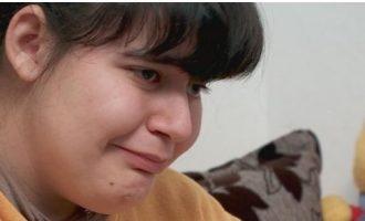 Djali nga Prishtina i bën dhuratën më të bukur vajzës së paralizuar nga Tirana
