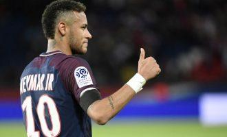 """Skuadra angleze i bashkohet """"luftës"""" për kartonin e Neymar"""