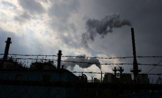 Shpërthim i madh në një fabrikë kimike në Çeki