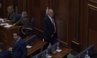 Deputeti Ramiz Kelmendi arrin në kuvend