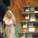 Deputetët nuk mund të shkojnë në Kuvend, shkaku i motit