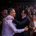 Kurti lavdëron anëtarët besnik të VV-së në Prishtinë – injoron Shpend Ahmetin
