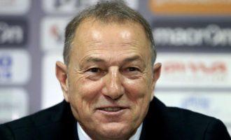 Ish-trajneri i Shqipërisë me punë të re