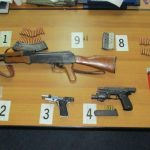 Sekuestrohen tri armë ilegale