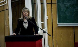 Ngacmime seksuale në UP – Prorektorja fajëson veshjet provakative të femrave