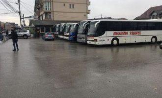 Asnjë autobus nuk qarkullon në linjën Podujevë-Prishtinë, pronarët në grevë