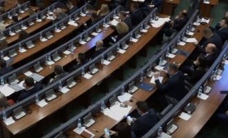 Lista Serbe bojkoton seancën – demarkacioni në dorën e partive shqiptare