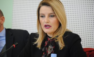 Hoxha: Kosovarët e meritojnë lëvizjen e lirë