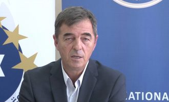 """Saraçini: """"Kosova dëshmoi krenarinë e saj në Beograd"""""""