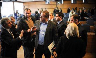 Krahët e thyer të Shpend Ahmetit në Prishtinë