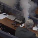 Policia po heton si u fut gazi në Kuvend