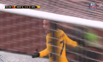 Antoine Griezmann 'shtangë' Arsenalin, barazohet rezultati