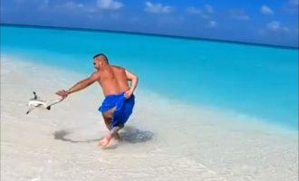 """""""Gjiko gënjen"""" – aktivistët tentojnë t'ia ndalojnë reperit hyrjen në Maldive"""
