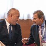 Shtetet e Ballkanit planifikojnë heqjen e tarifave të roamingut