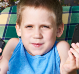 Dy të tretat fëmijëve nuk e dinë çka është disketa e videokaseta