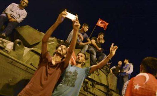 Gjithçka që duhet të dini rreth përpjekjeve për grusht shtet në Turqi