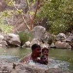 E dhimbshme, tre burrat mbyten në një pellg uji, gjithçka u filmua nga celulari i viktimave