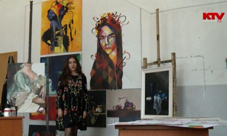 Engji Jaha, artistja që po vazhdon traditën e familjes në art