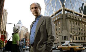 Bota e letrave vajton vdekjen e Philip Rothit