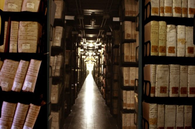 Çfarë fshihet në arkivat sekrete të Vatikanit