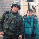 Ushtari kurrë nuk e harroi vogëlushin e luftës, 24 vjet më vonë e gjeti atë në Facebook
