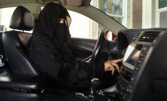 Arabia Saudite arreston gratë aktiviste që kërkojnë leje për vozitje