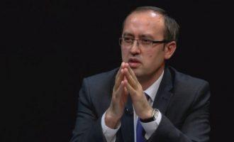 Hoti: Institucionet po e dhunojnë demokracinë