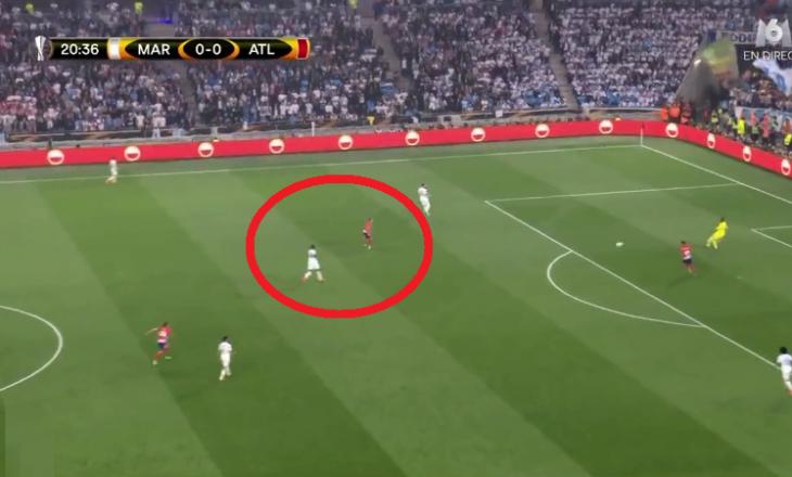 Gabim qesharak në mbrojtje, gol në finalen Marseille – Atletico [Video]