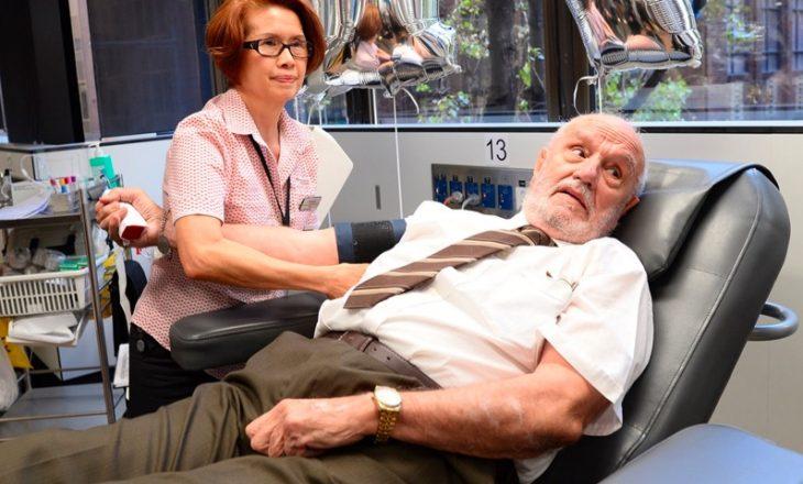 Pse gjaku i këtij burri ndihmoi miliona fëmijë?