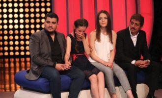 Historia që preku babë e bir, Sabri dhe Ermal Fejzullahu shpërthejnë në lot