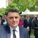 Ambasadori Greiçevci intervistohet nga prestigjiozja angleze The Telegraph, për shqiponjat e Xhakës dhe Shaqirit