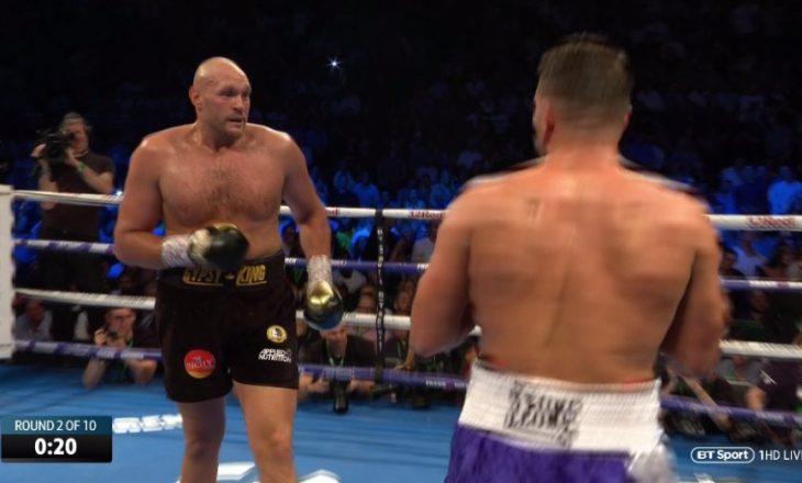Ndodh edhe kjo: Seferi e Fury ndalin meçin, shikojnë përleshjen jashtë ringut
